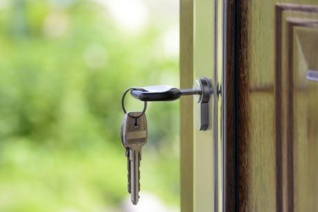 Sommige inboedelverzekeraars bieden korting op de inboedelverzekering wanneer je voldoet aan bepaalde veiligheidseisen.