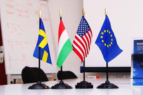 De Europese Commissie pleit voor een gestandaardiseerde verzekeringskaart voor aansprakelijkheidsverzekeraars