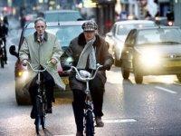 Meer aanrijdingen van auto's met fietsers en voetgangers