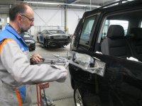 Website die consumenten helpt bij het bepalen of men autoschade moet claimen op autoverzekering