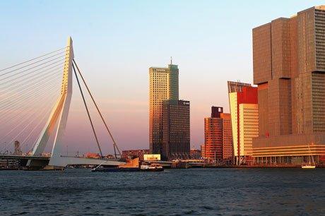 De Rotterdampolis moet per 2019 beschikbaar worden voor iedere inwoner van de gemeente.