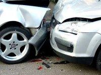 Met opzet ongeluk met auto veroorzaken en verzekeringsgeld opstrijken