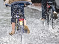 Uitgelicht als zinloze verzekering: de regenverzekering