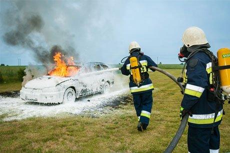 Het Centrum voor Verzekeringsstatistiek stelt dat er steeds meer auto's in vlammen opgaan.