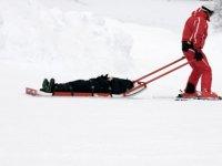 Helft van de jongeren krijgt tijdens wintersport te maken met schade of pech