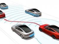 Premie autoverzekering daalt met de helft binnen 5 jaar door semi-zelfrijdende auto's